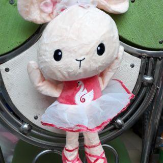 Thỏ hồng xinh xắn
