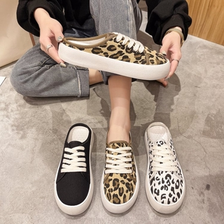 Fashionable Round Lace slip on canvas Slippers for Women