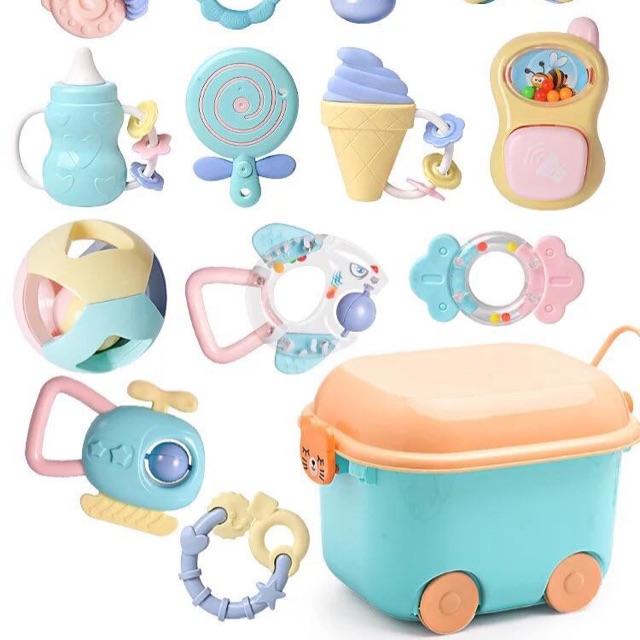 Hộp đồ chơi 13 món Juilebaby