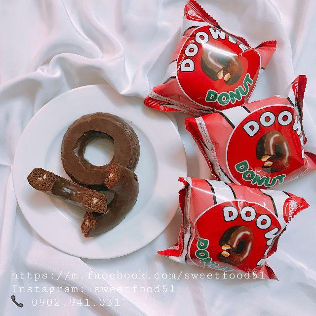 Bánh Donut Doowee Rebisco 300g ( 10 cái ) nhân kem dâu và kem socola - 2397531 , 1323738753 , 322_1323738753 , 46000 , Banh-Donut-Doowee-Rebisco-300g-10-cai-nhan-kem-dau-va-kem-socola-322_1323738753 , shopee.vn , Bánh Donut Doowee Rebisco 300g ( 10 cái ) nhân kem dâu và kem socola