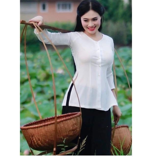 Áo bà ba kèm quần phi trắng hoặc đen