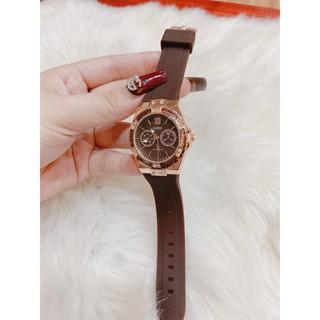Đồng hồ nữ guess dây silicon bền đẹp, thiết kế sang trọng, trẻ trung, chống nước bảo hành 12 tháng