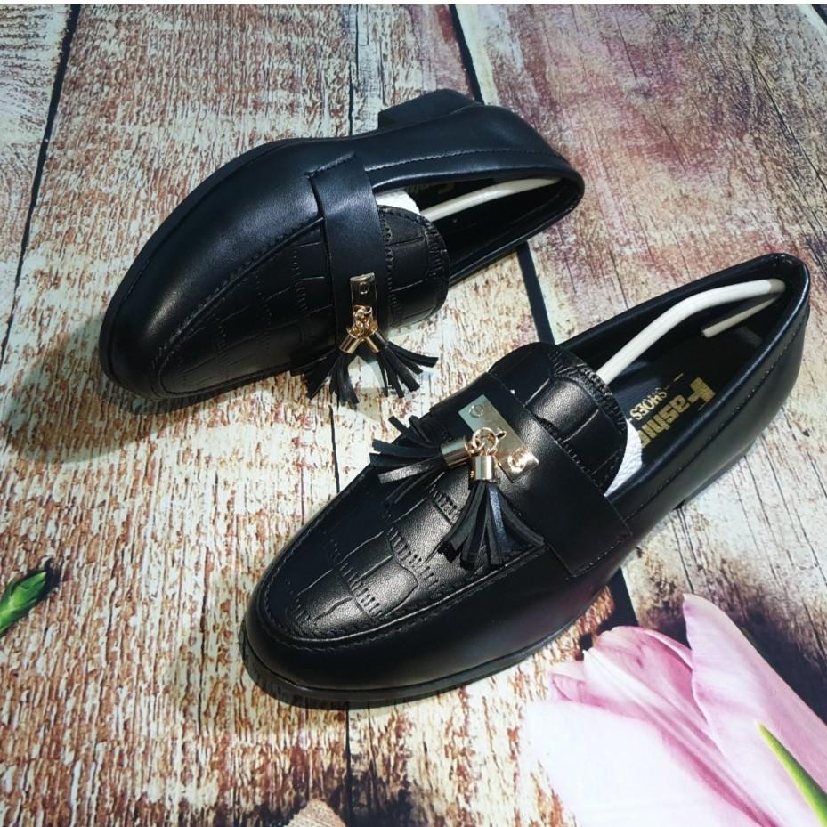 Giày Tây Chuông Dập Vân Lịch Lãm