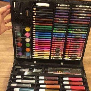 Bộ bút chì màu 150 chi tiết