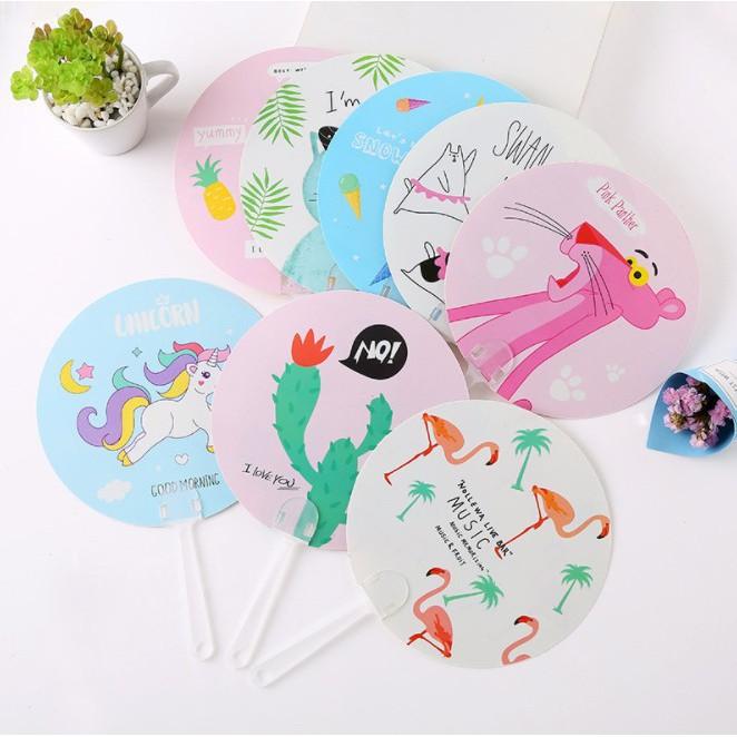 Quạt nhựa cầm tay mini tiện dụng dành cho mùa hè học sinh sinh viên