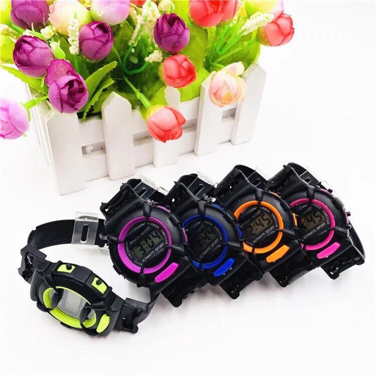 [Mã WTCHNOV20 hoàn 20K xu đơn 99K] Đồng hồ điện tử thời trang trẻ em ULTIMATE SPORT dây nhựa sr79