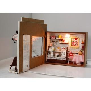 HCM- HOT- Mô hình NHÀ BÚP BÊ bằng gỗ có đèn led TIỆM BÁNH CUTEC004 DochoiHCM