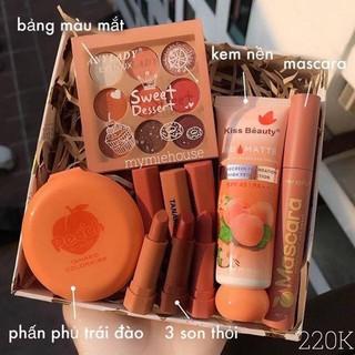 Set trang điểm gồm 5 Món Đào Kiss Beauty,Tone cam đào đầy đủ cho các bạn Nữ.Không thể thiếu ,tặng kèm 1 Túi đựng Mỹ Phẩm thumbnail