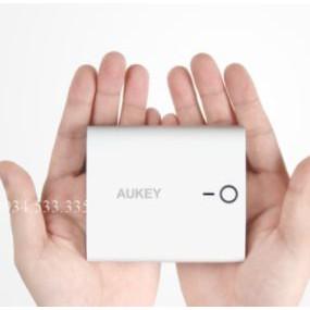 sạc dự phòng Aukey Dual USB Porable 10.000 mah hàng USA