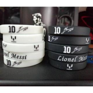 Vòng đeo tay cao su Messi đen và trắng