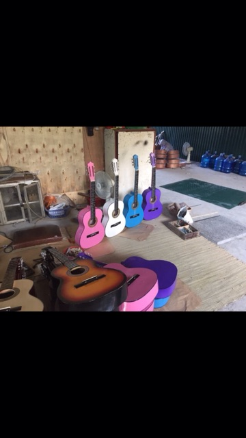 Guitar S45 . Dành cho các bạn tập chơi. Đa sắc màu.  Tặng hướng dẫn tự học