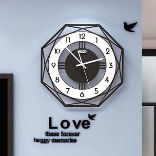 Đồng hồ treo tường trang trí sang trọng và hiện đại CL002