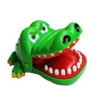 Trò khám răng cá sấu