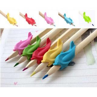 Cá heo luyện chữ, dụng cụ hỗ trợ cầm bút cá heo luyện chữ đẹp thumbnail