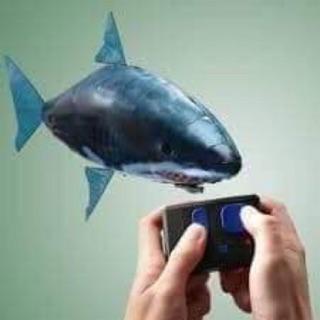 Cá bay đồ chơi cho bé