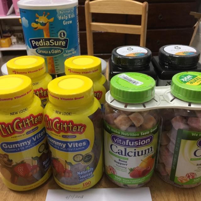 Combo 11 sản phẩm: 4 hộp kẹo gummy vites, 2 hộp kẹo can xi, 2 hộp collagen 390 viên, 3 hộp sữa Pedia