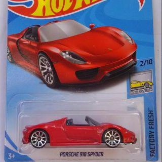 ô tô mô hình tỉ lệ 1:64 Hot Wheels Porsche 918 Spyder (màu đỏ)