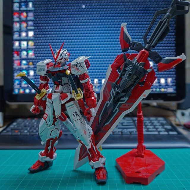 Mô Hình MG Gundam Astray Red Frame Kai JiJia 1/100 - ADCGundam