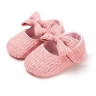 Giày tập đi đế mềm chống trượt đính hoa xinh xắn cho bé gái