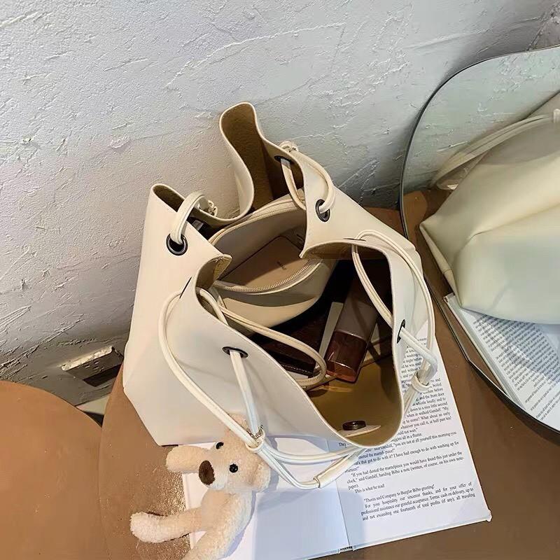 [ hàng mới] HÀNG MỚI VỀ FREESHIP 50K Túi tote kẹp nách tặng móc gấu dễ thương