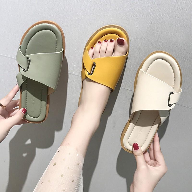 summer Korean fashion flat flat word drag super fire net red beach Roman sandals