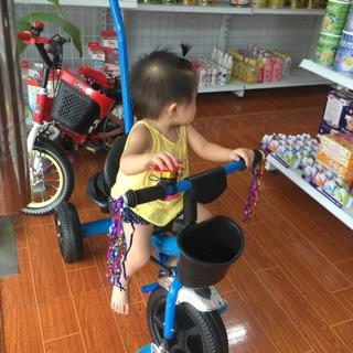 Xe đạp ba bánh có cán đẩy