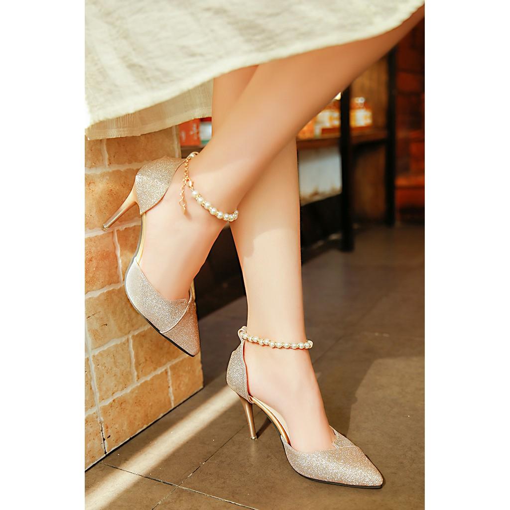 Giày cao gót nhọn 8 phân kim tuyến chuỗi