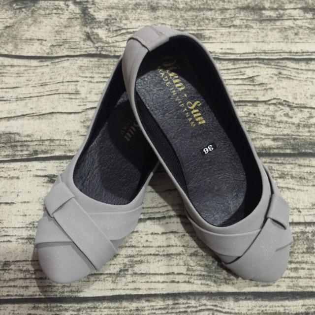 Giày búp bê si nhám nơ chéo xám