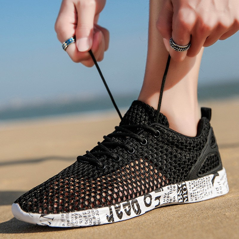 2019 new summer men's hole sandals extra large code 45 breathable mesh shoes 46