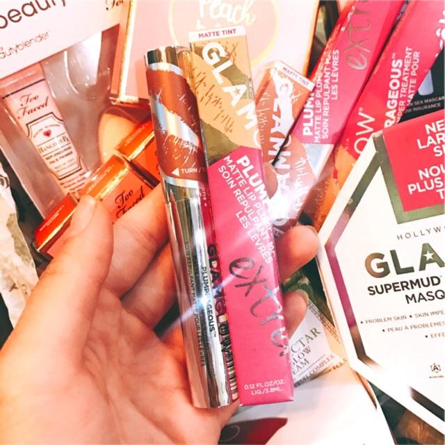[Glamglow] Son dưỡng trị thâm môi và làm đầy rãnh môi Plumprageous Matte Lip Treatment
