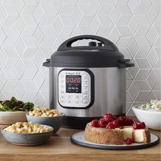 (Hàng Đức) Nồi áp suất điện Instant Pot Duo 7in1 mini 2,82L-220V, 12 chương trình nấu, 7 trong 1
