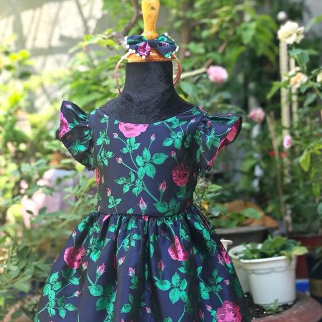 Váy vải gấm in hoa cho bé gái