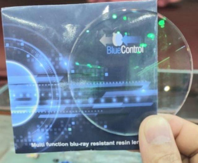 Tròng Kính cận Blue control 1.61 chống ánh sáng xanh, mỏng hơn 20%