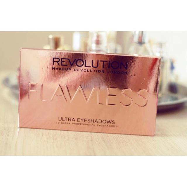 Bảng phấn mắt Makeup Revolution Flawless Ultra Eyeshadows