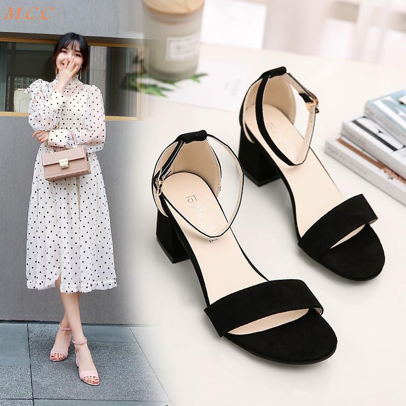 Late evening wind gentle shoes fairy wind flat bottom wild with heel fashion net red 2019 new summer sandals female
