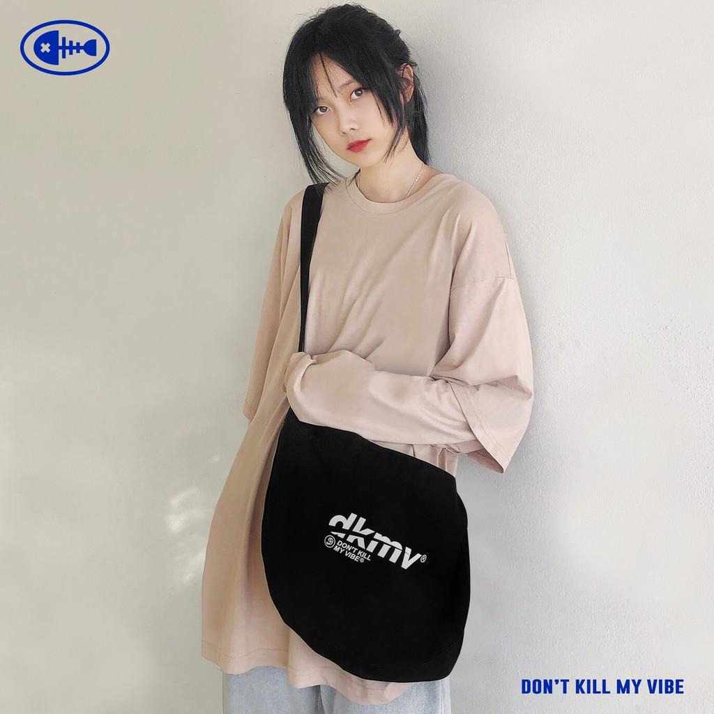 DKMV Túi đeo chéo Logo tặng kèm Tote - MÀU ĐEN/ Túi đeo chéo vải thời trang