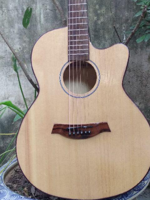 Đàn guitar Acoustic có ty. TẠI XƯỞNG Full phụ kiện