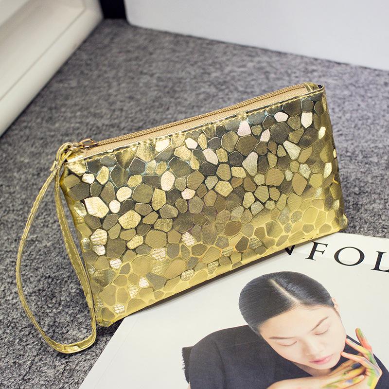 Túi xách kiểu dáng đơn giản hợp thời trang cho nữ