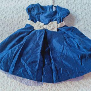 Váy xanh cho bé