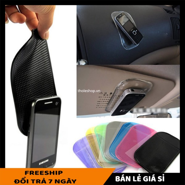 Giá đỡ điện thoại trên ô tôSALE ️Miếng silicon hít điện thoại cho xe hơi  tiện lợi 4268