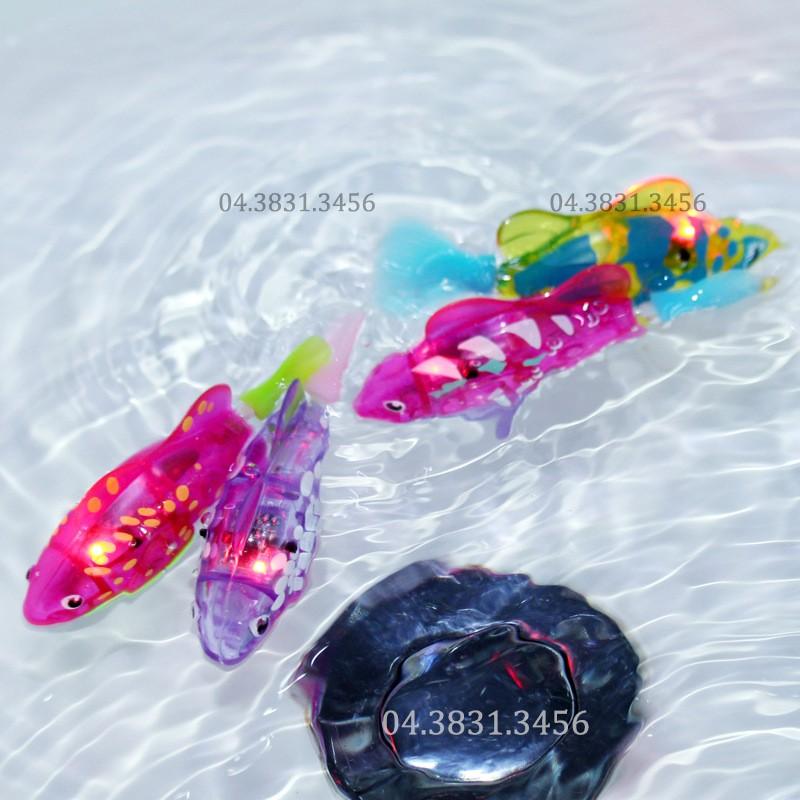 Bộ 2 cá cảnh Robot Fish chạy pin có đèn Led