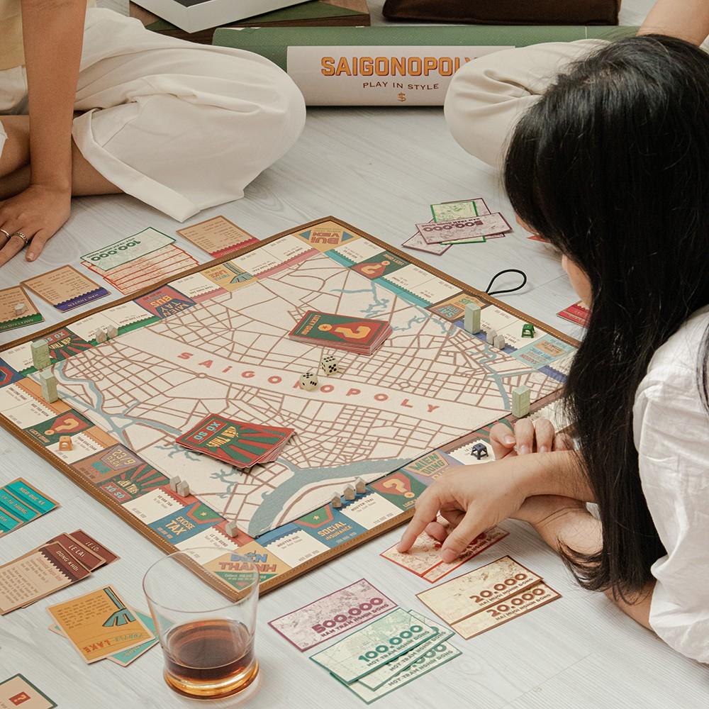"""Cờ tỷ phú đặc biệt phiên bản Sài Gòn/ Hà Nội Canvas – Mang """"thành phố"""" đi khắp mọi nơi"""