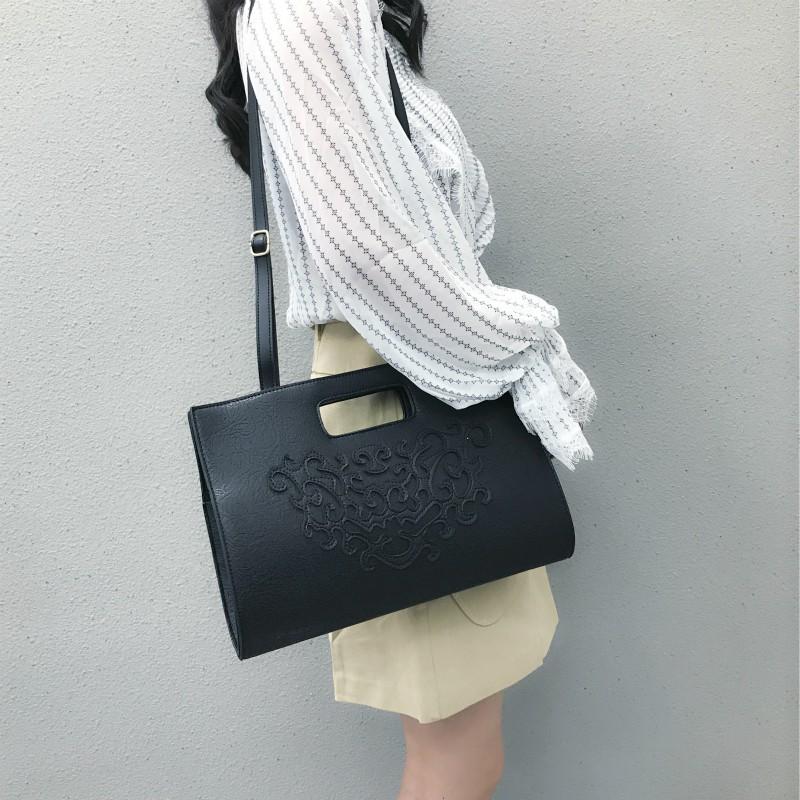 【จัดส่งฟรี】กาศใหม่กระเป๋านางฟ้ากระเป๋าที่เรียบง่ายป่ากระเป๋าสาวถุงอินกระเป๋าไฟสุด