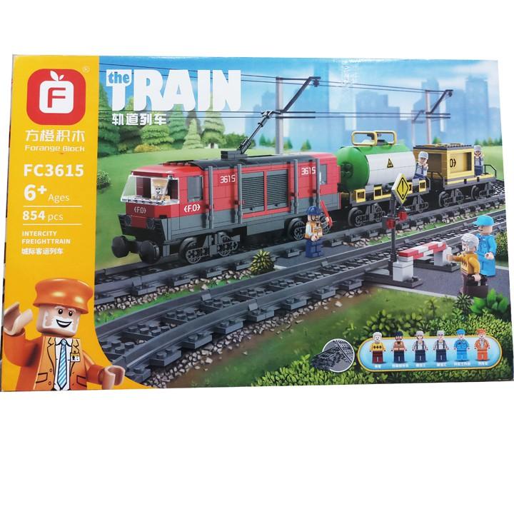 đồ chơi xếp hình đoàn tàu xe lửa chở hàng, size lớn. Hộp gồm 854 miếng ráp đẹp như Lego. FC3615