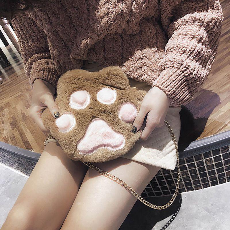 Túi đeo chéo họa tiết bàn chân thú phối lông đáng yêu dành cho nữ