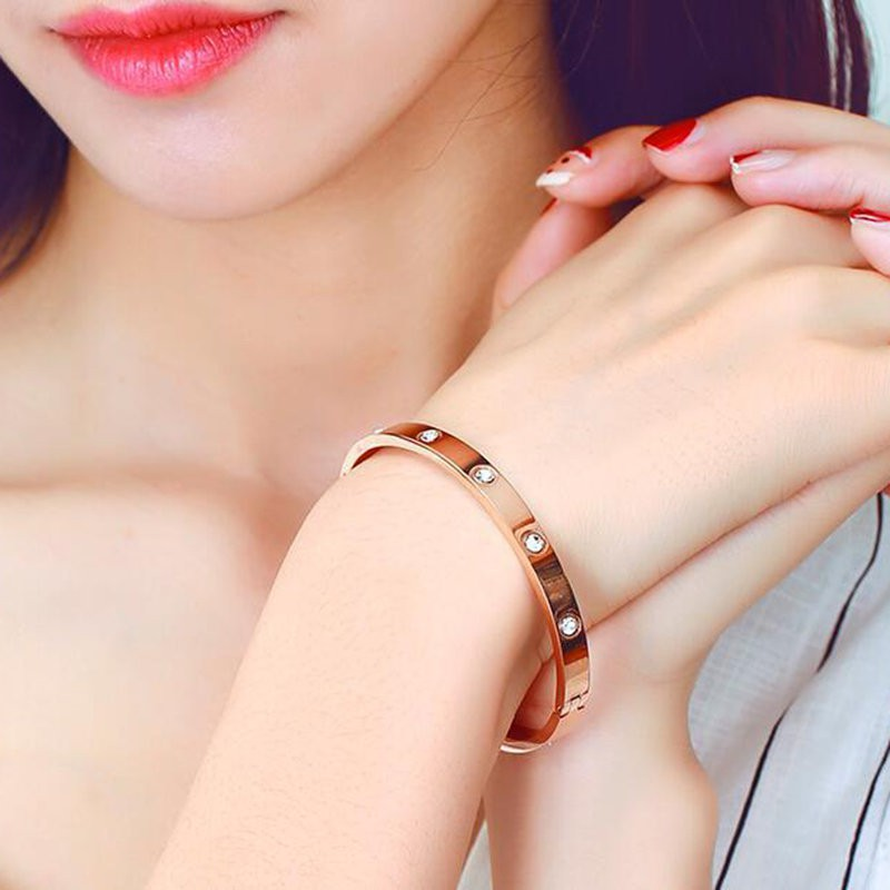 Cặp vòng tay mạ hồng vàng 18k cho cặp đôi