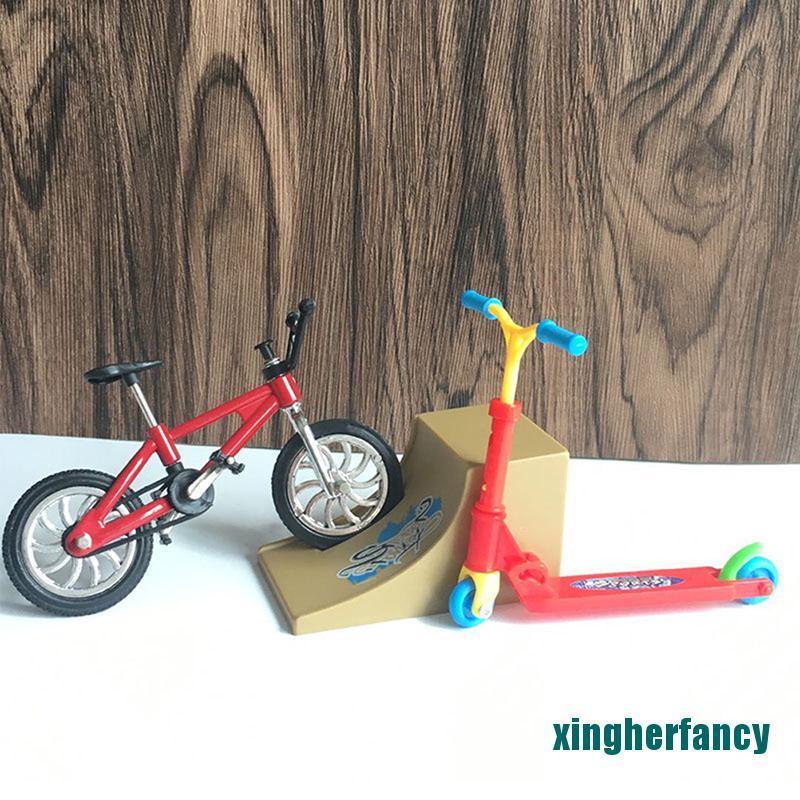 XYCC Scooter Children's Educational Toys Finger Scooter Bike Fingerboard Skateboard XJSS