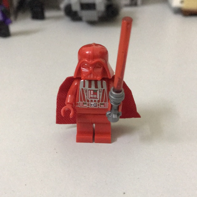 Minifigures nhân vật Darth Vader red version