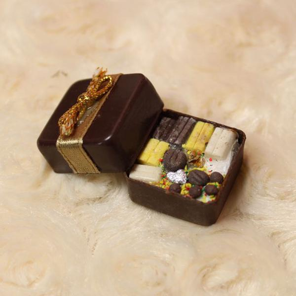HW Miniature Food Box Filled with Chocolate Decor for 1:12 Doll House
