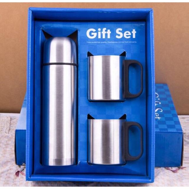 Bộ 1 Bình Giữ Nhiệt 0.5L + 2 Cốc 220 ml Carlmann Gift set